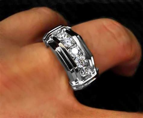 Choosing Men's Diamond Ring To Complement Diamond Bracelet