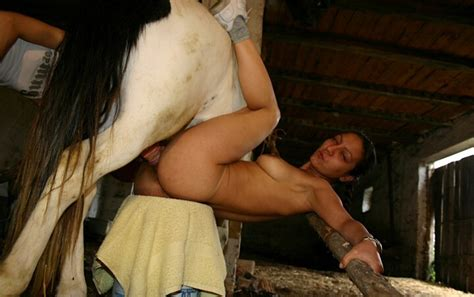Hot Girl And Housewife Aunty Fuckng With Hourse And Dog
