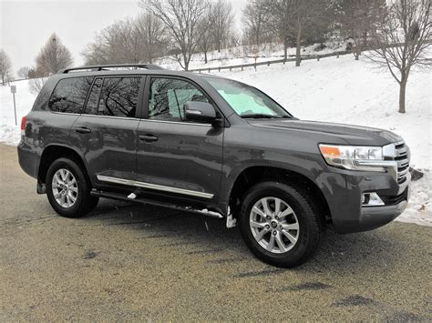 toyota land cruiser   full size redesign  stay