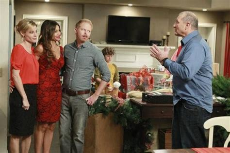 modern family images episode 3 10 express wallpaper and background photos 26906549