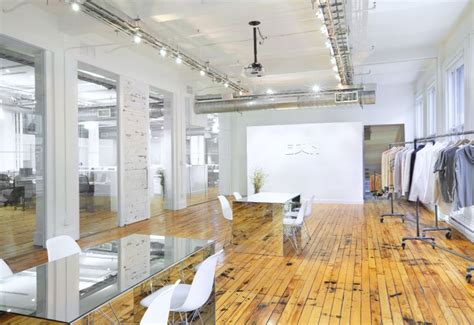 Office Supplies Nyc by Edun S Loft Like New York Showroom Offices Are Awash