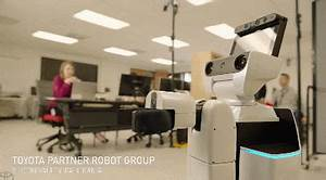 Toyota's Human Support Robot for Disabled People - Robotic ...