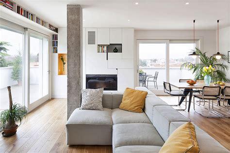 bureau mezzo modern and inspiring interior displaying concrete pillars