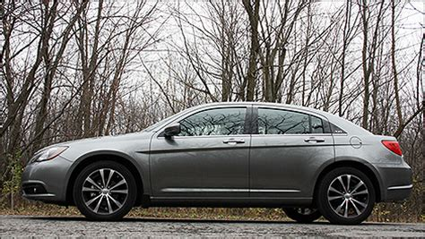 airbag deployment 2011 chrysler 200 head up display take the road