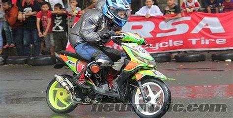 Modifikasi Beat Road Race by Koleksi Gambar Modifikasi Honda Beat Extrem Drag Dan Road