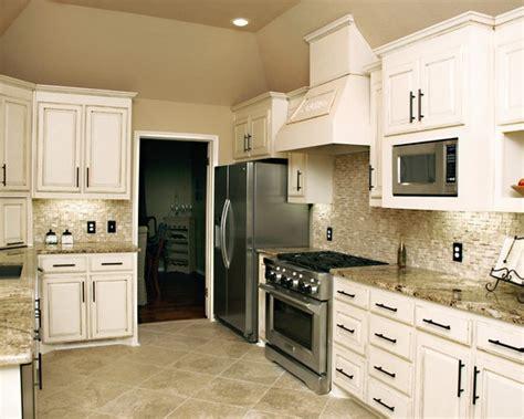 split face travertine backsplash kitchenhouse remodel kitchen decor kitchen backsplash