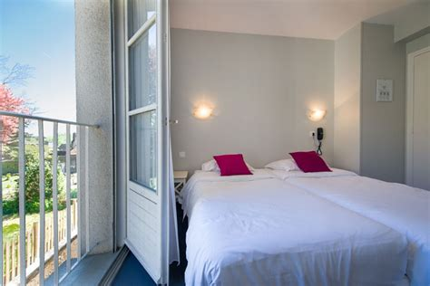 h 244 tel val de loire where to stay organise your stay cycling trail in