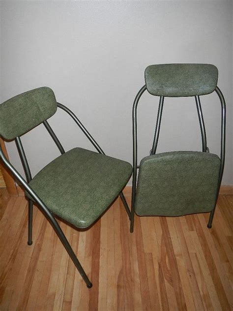 cosco folding chairs vintage set of 2 vintage cosco green folding chairs by