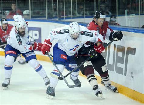 Latvijas hokeja izlase pirmajā pārbaudes spēlē savā laukumā piekāpjas Francijai   LA.LV