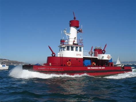 Fireboat Guardian by Engines Photos Fireboat Guardian Sffd