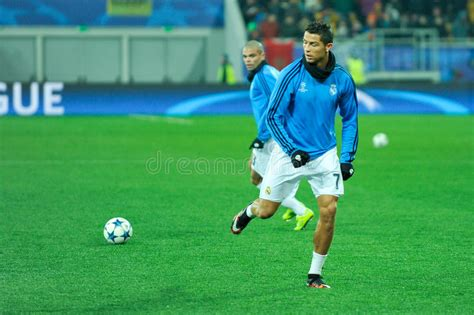 Real madrid can reach the knockout stages of the champions league with victory over shakhtar donetsk and goal provides the latest betting tips. FC Shakhtar Vs FC Real Madrid Editorial Image - Image of ...