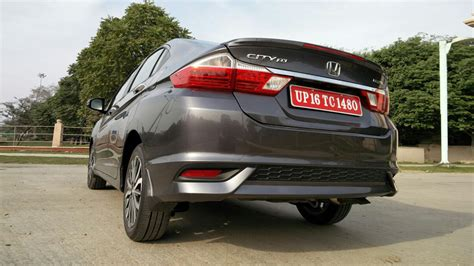honda city 1 5 v mt petrol price mileage specifications
