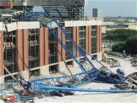 10 Years Ago Today: Big Blue Crane Collapse - Crane Accidents