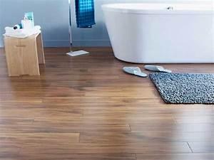 un parquet dans la salle de bains c39est possible deco cool With parquet bambou salle de bain