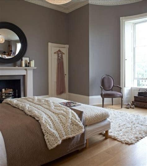 chambre grise chambre couleur gris et framboise design de maison