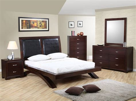 expert tips  decorating  bedroom abodo apartments