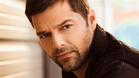 ricky martin wallpapers images  pictures backgrounds