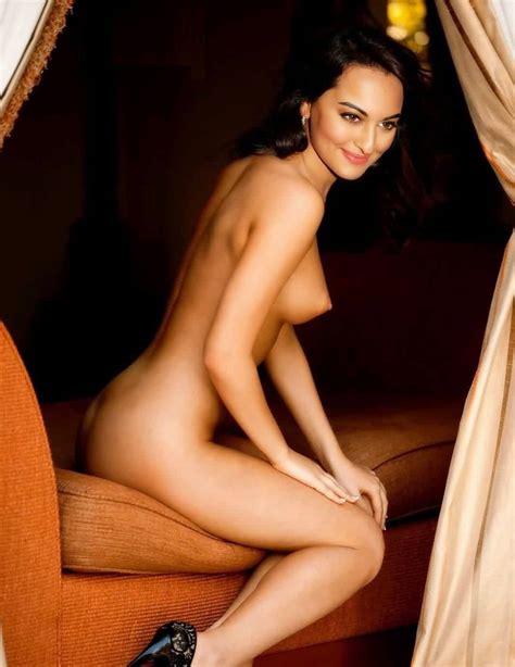 Indian Hottest Actress Sonakshi Ki Topless Naked Pics