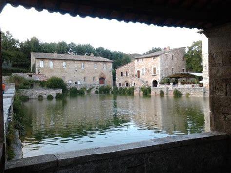 bagno vignoni piscina atmosfera accogliente picture of librorcia bagno vignoni