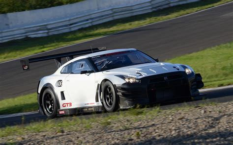 Upgraded 2018 Nissan Gt R Nismo Gt3 Racer Hits The Track