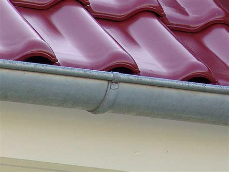 dachrinne montieren zink dachrinne zink titanzink montage l 246 ten kosten