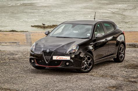 Alfa Romeo Giulietta : Alfa Romeo Giulietta 1750tbi Veloce (2017) Quick Review