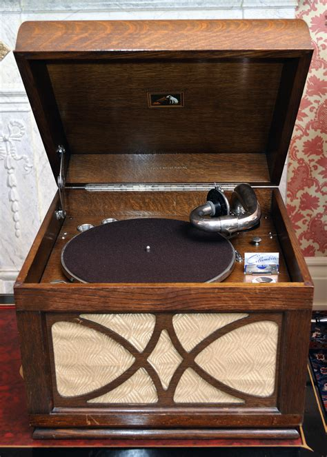 Portable 1940s Gramophone Inventions Communication