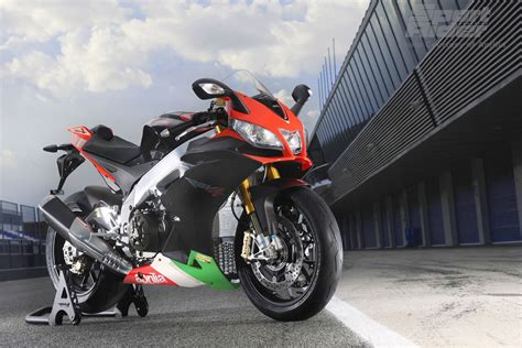 Aprilia Rsv4 Rf Backgrounds by Amazing Design Of Aprilia Rsv4 Top Quality Wallpaper Hd