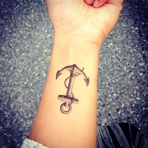 tatouage ancre marine tatouage poignet ancre marine tatouage 40 jolies id 233 es