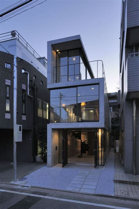 narrow house designs a narrow residence in