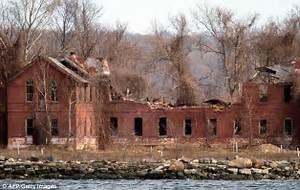 New York City council may turn Hart Island 'mass grave ...