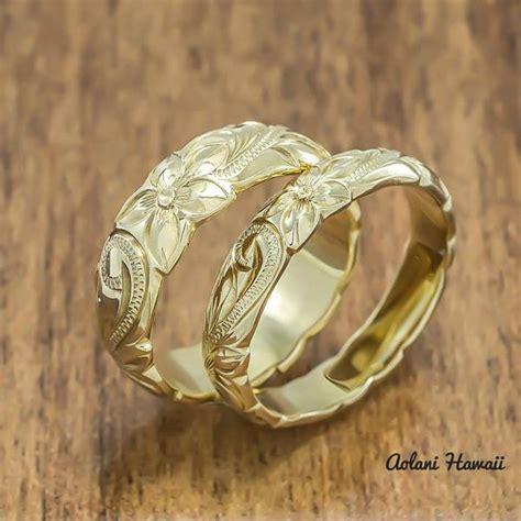 gold wedding ring of traditional hawaiian