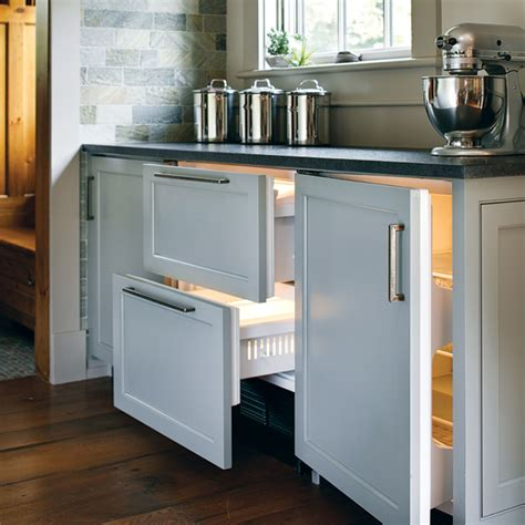 wood panel appliances cottage kitchen benjamin moore