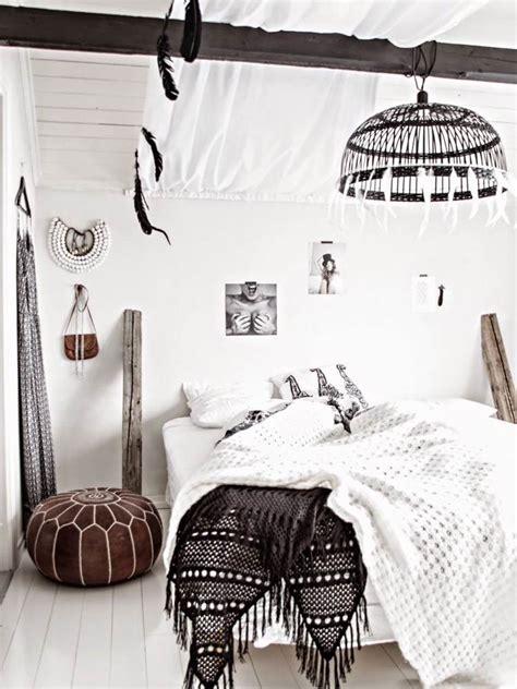 couleur tendance pour une chambre chambre bohème blanche et pleine de charme pour un chez