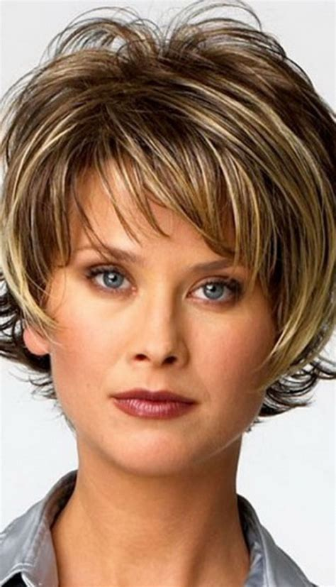 Short Messy Hairstyles for Women Over 40 - Popular Long