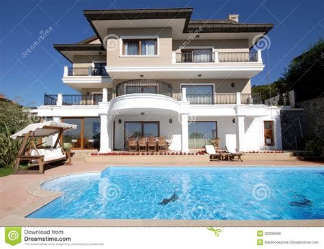 tir 224 la maison de luxe de piscine image libre de droits image 30038466