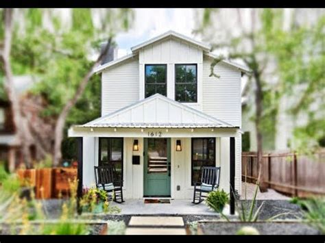 tiny cottage   story modern  square foot
