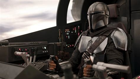Jon Favreau Addresses THE MANDALORIAN Movie Rumors and ...