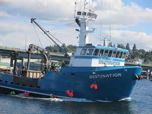 f v destination ak bering sea crabber full deck of crew
