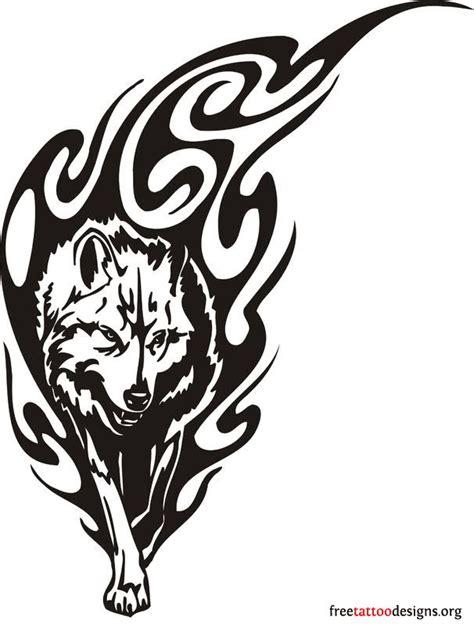 tatouage loup  lune tribal