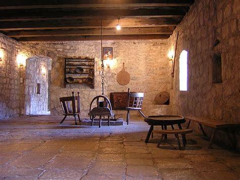 Filenjegusi  Old Housejpg  Wikimedia Commons