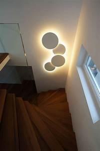 Lampen Für Treppenhaus : wandleuchten leuchte puck wall art von vibia ideen rund ums haus pinterest beleuchtung ~ Markanthonyermac.com Haus und Dekorationen
