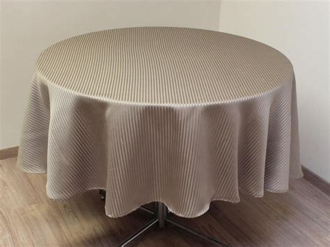 nappe papier ronde 180 28 images object moved nappe toile cire ronde diamtre 180 cm frjus