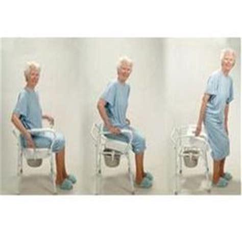 siege baignoire pour personne agee chaise wc pour personne agee meuble de salon contemporain