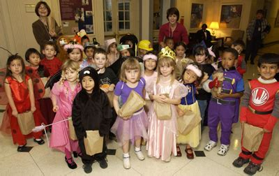 nih record 11 25 2003 photo youngsters trick or 987 | halloween2