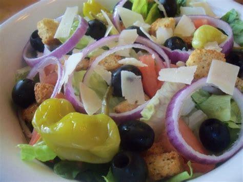 Olive Garden Salads by Olive Garden Salad Copycat Recipe Genius Kitchen