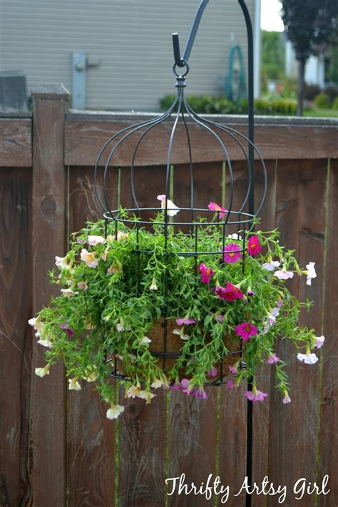 Garden Decoration Pots Ideas by 18 Beautiful Garden Decor Ideas With Birdcage Planters