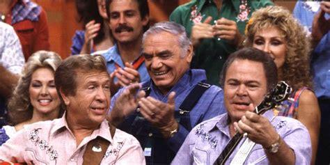 'hee Haw Host Roy Clark Dies