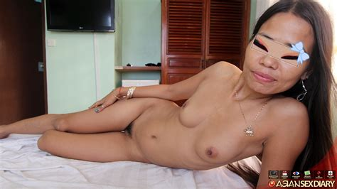 :: Asian Sex Diary :: 26yo MILF from Philippines gets stunning body fucked hard by white tourist.