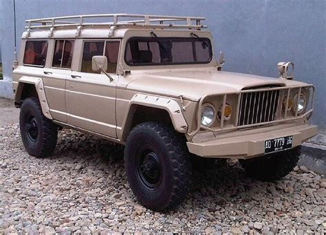 jeep kaiser wagoneer m715 grand wagoneer custom jeeps pinterest